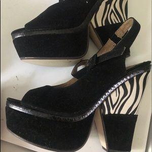 High heel sandals !!